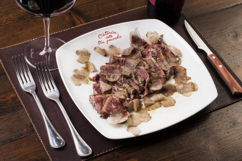 Sliced veal steak with truffle
